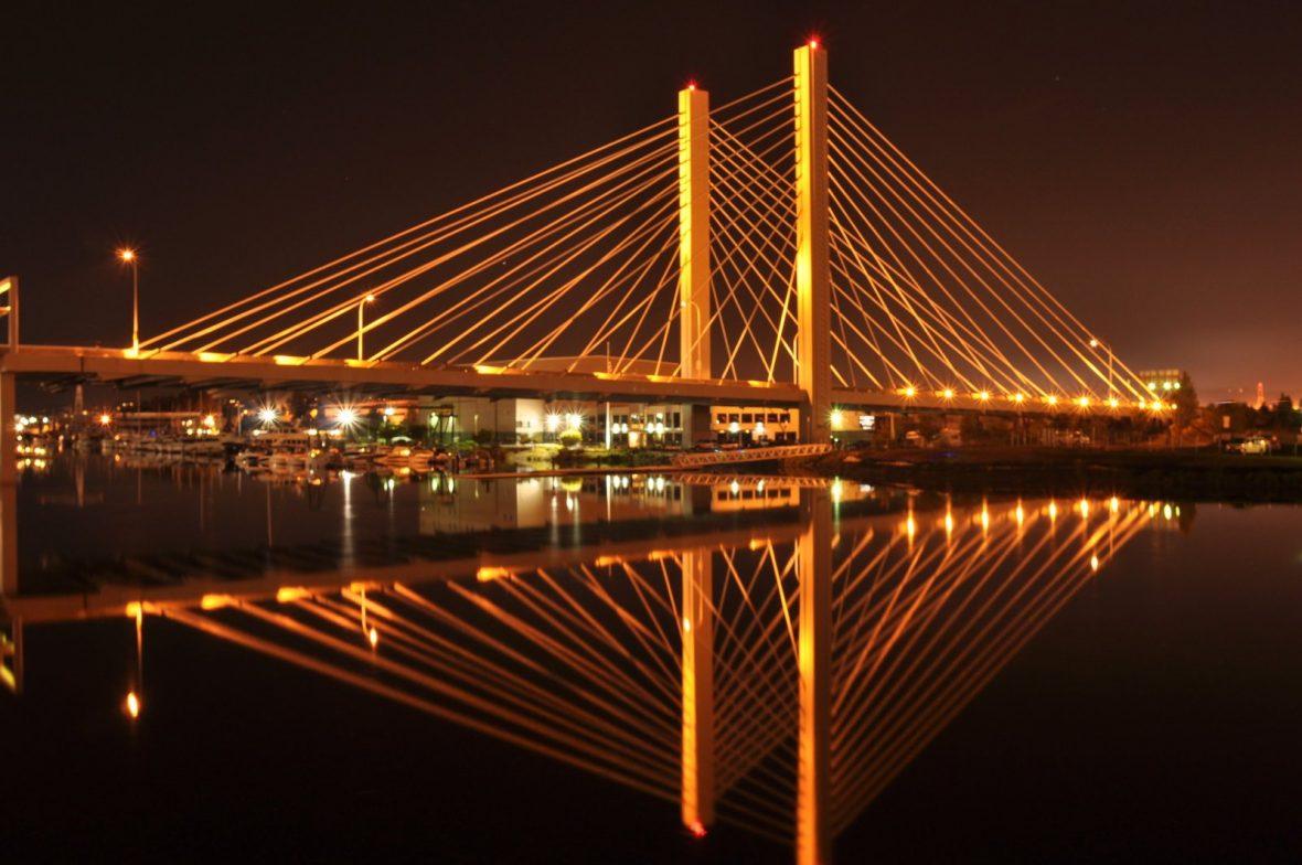 downtown_tacoma_bridge_midnight_shot